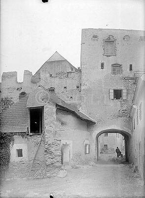 Tor in Dürnstein 1910 von Josef Reifschneider