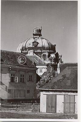 Trägerkarton, abgenommen Klosterneuburg / Stift, Kuppel mit römisch-deutscher Kaiserkrone. von Trägerkarton, abgenommen Georg Binder, Wien, 24.5.1917